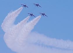 秋には自衛隊の航空ショー